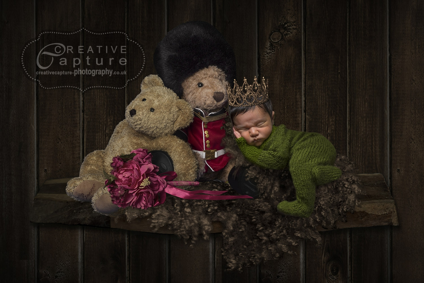 Queens-guard-rustic-wood-shelf-flowers-1-done